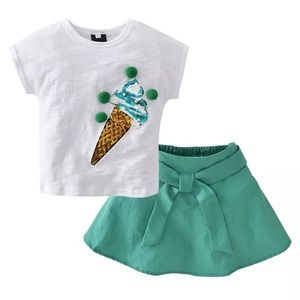 Other - Green and White 2 piece outfit toddler size 3-4